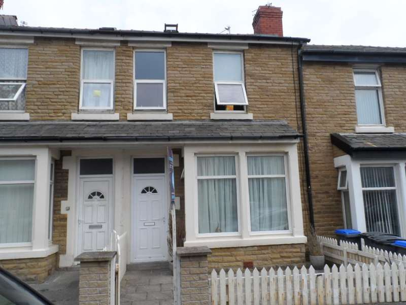 4 Bedrooms Property for sale in 33, Blackpool, FY1 5PW