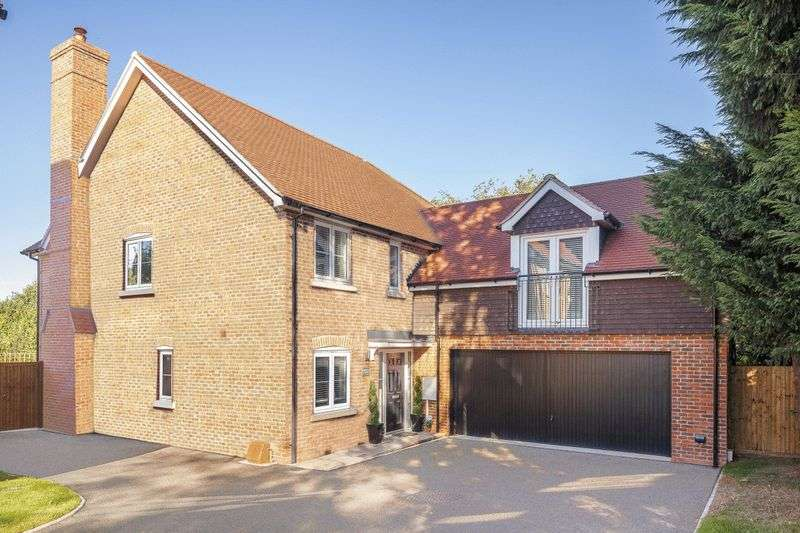 5 Bedrooms Detached House for sale in Manor Fields, London Road, Bidborough Borders