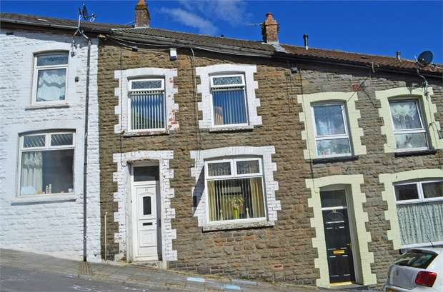 3 Bedrooms Terraced House for sale in Brynhyfryd, Tylorstown, Ferndale, Mid Glamorgan