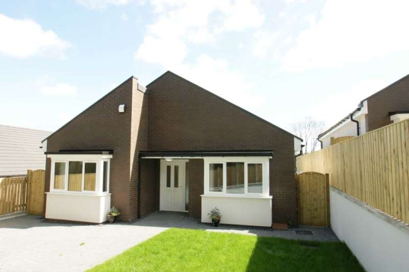 3 Bedrooms Detached Bungalow for sale in 2 Clos Llwyn Onn, Fron Park Road, Holywell, CH8 7UD.