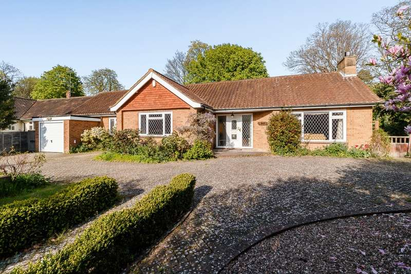 3 Bedrooms Detached Bungalow for sale in Guildford