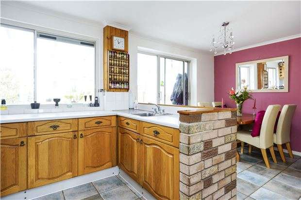 2 Bedrooms Terraced House for sale in Claremont Buildings, BATH, Somerset, BA1