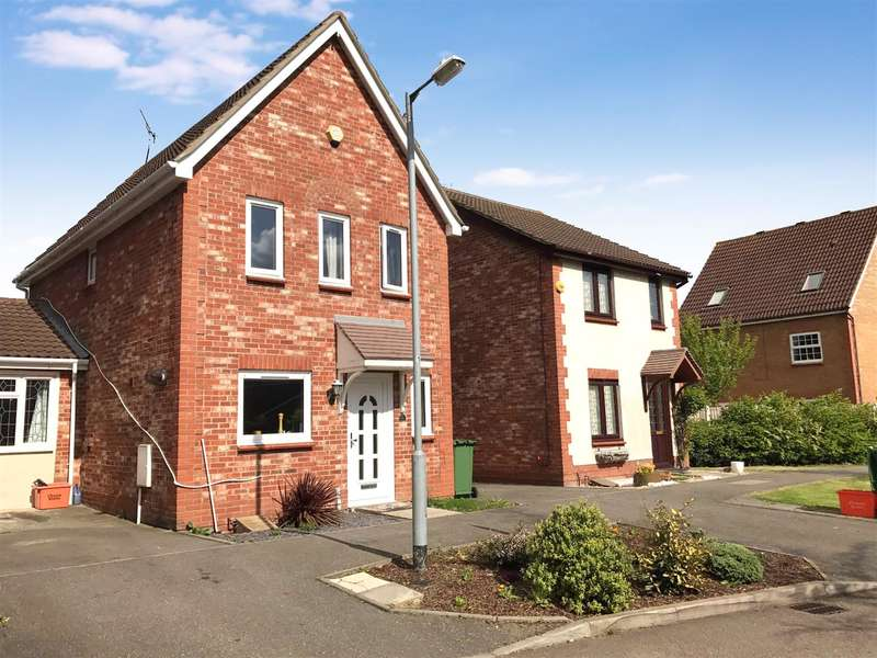 3 Bedrooms Detached House for sale in Puffin Close, Wickford, SS12