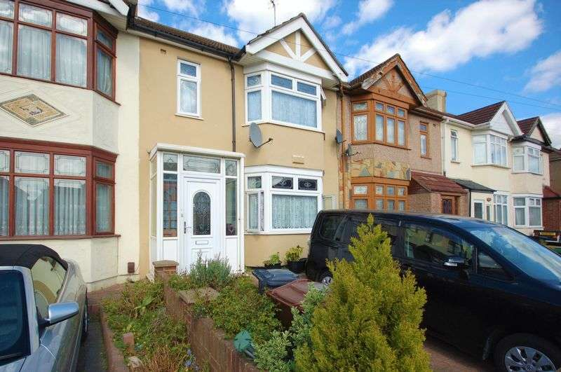 4 Bedrooms Terraced House for sale in Reede Road, Dagenham