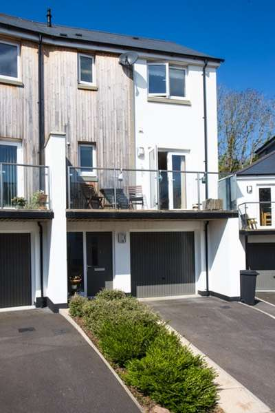 3 Bedrooms Town House for sale in Landrace Close, Newton Abbot, Devon, TQ12