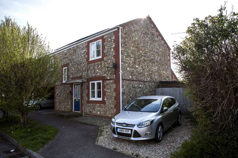 4 Bedrooms Semi Detached House for sale in Brutton Way, Chard, Somerset, TA20