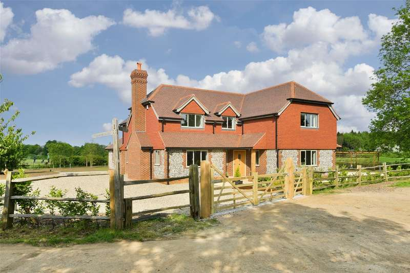 5 Bedrooms Detached House for sale in Outwood Lane, Kingswood, Tadworth, Surrey, KT20
