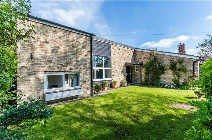 4 Bedrooms Detached House for sale in Queen Edith's Way, Cambridge