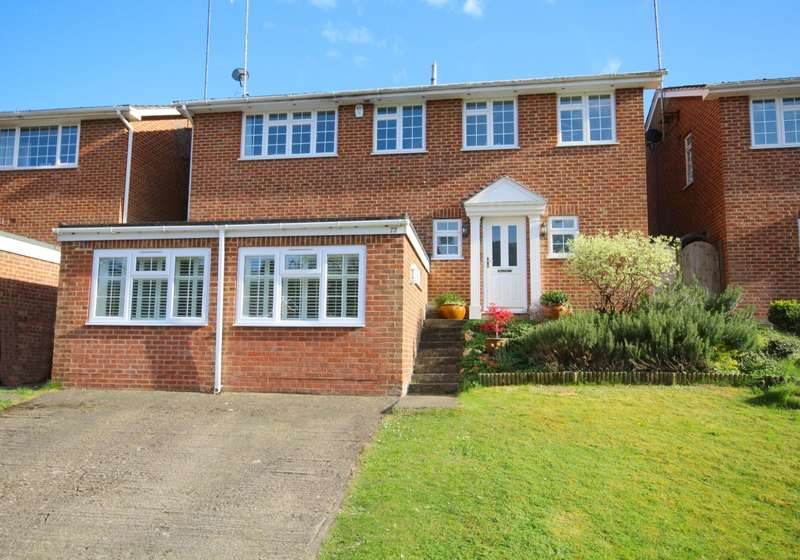 4 Bedrooms Detached House for sale in Deanfield Road, Henley On Thames, RG9