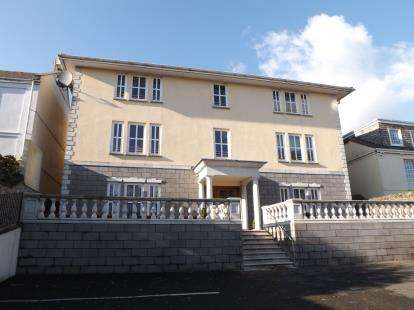 2 Bedrooms Flat for sale in 16A St. James Road, Torpoint, Cornwall