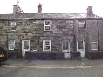 2 Bedrooms Terraced House for sale in High Street, Penygroes, Caernarfon, Gwynedd, LL54