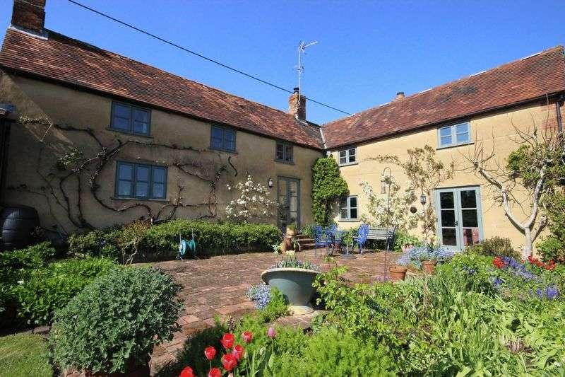 3 Bedrooms Detached House for sale in Farm Lane, Great Bedwyn, Marlborough