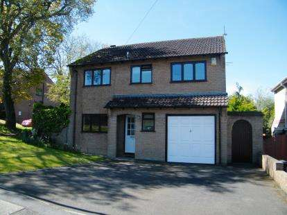 4 Bedrooms Detached House for sale in Upton, Poole