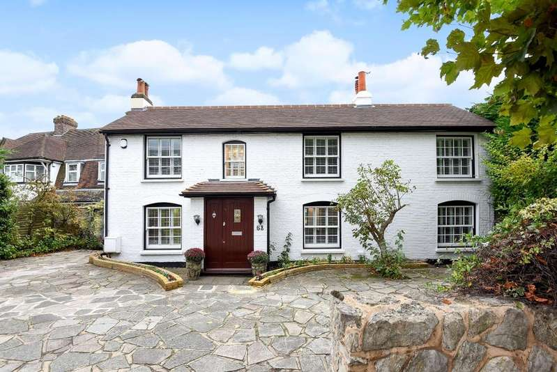 6 Bedrooms Detached House for sale in Bromley Common Bromley BR2