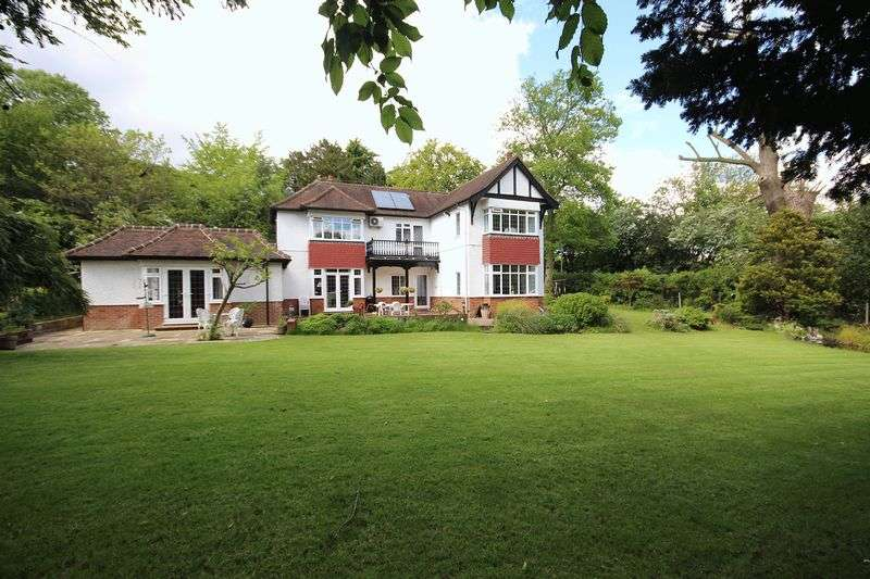 6 Bedrooms Detached House for sale in Brookshill, HARROW WEALD