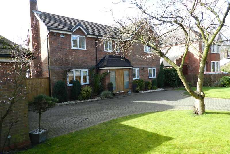 4 Bedrooms Detached House for sale in Common Lane, Culcheth, Warrington, Cheshire, WA3 4HQ