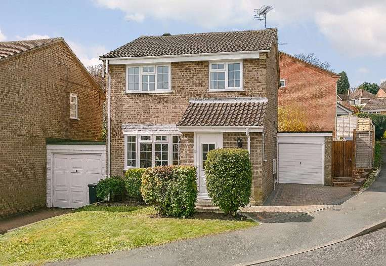 3 Bedrooms House for sale in Farnham