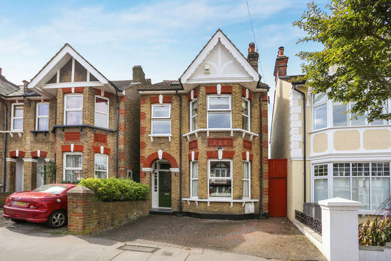 5 Bedrooms Detached House for sale in Chisholm Road, East Croydon