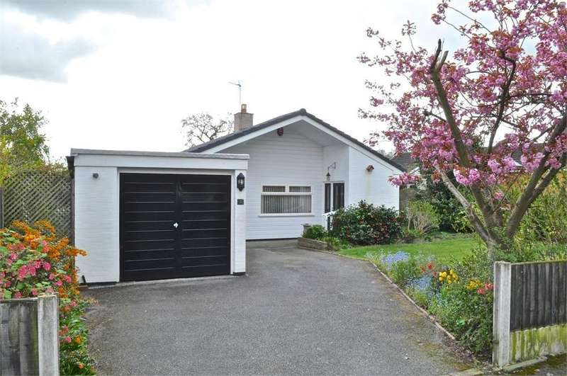3 Bedrooms Detached Bungalow for sale in Chantry Avenue, Hartford, Northwich, Cheshire