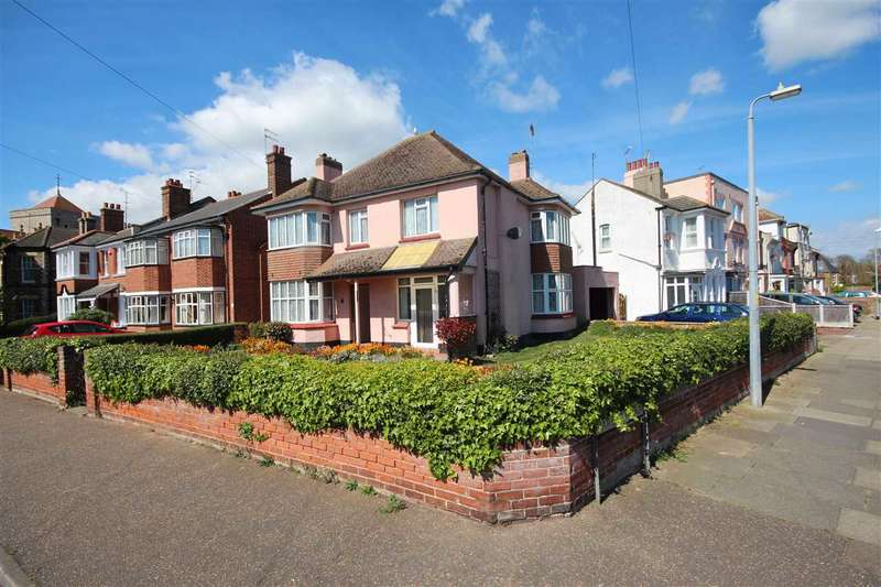 4 Bedrooms Detached House for sale in Church Road, Clacton-On-Sea