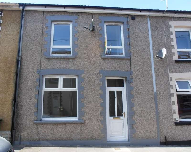 3 Bedrooms Terraced House for sale in Abergwawr Place, Aberaman, Aberdare