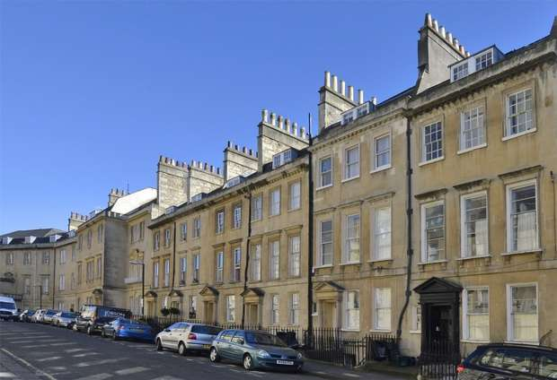 2 Bedrooms Flat for sale in Courtyard Apartment, 42 Rivers Street, Bath