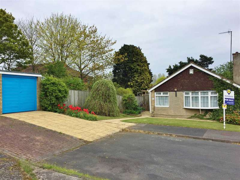 2 Bedrooms Bungalow for sale in Leighton Close, Crossgates