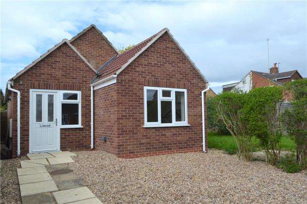 2 Bedrooms Detached Bungalow for sale in Greville Smith Avenue, Whitnash, Leamington Spa