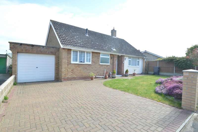 3 Bedrooms Detached Bungalow for sale in Queens Road, Earls Colne, Colchester CO6