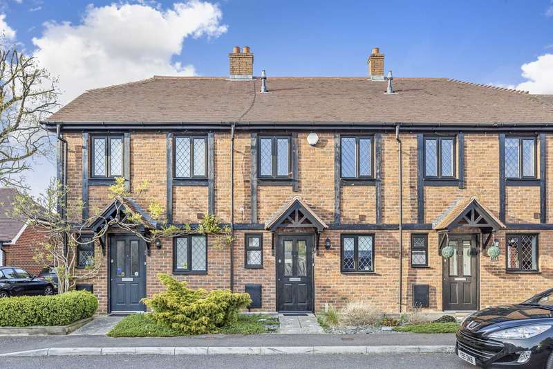 2 Bedrooms Terraced House for sale in The Squires, Pease Pottage