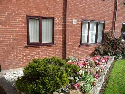 Flat for sale in The Avenue, Yeovil, Somerset