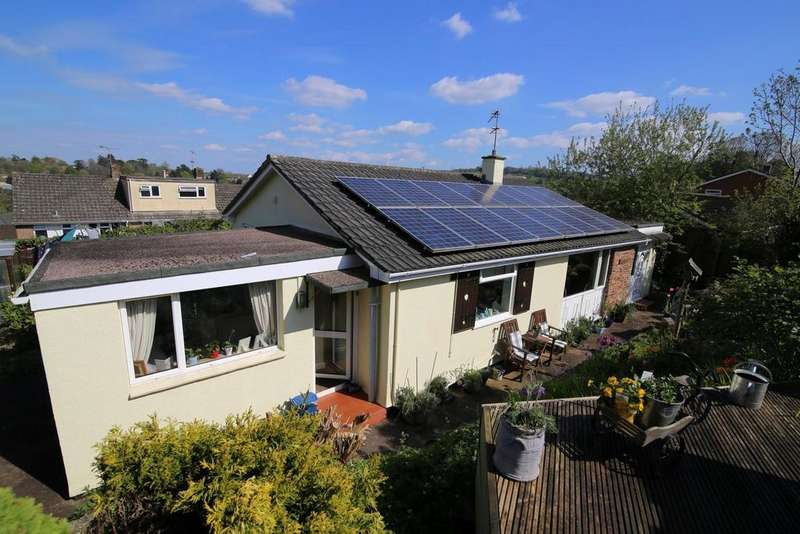 3 Bedrooms Detached Bungalow for sale in Johnstone Drive, Tiverton
