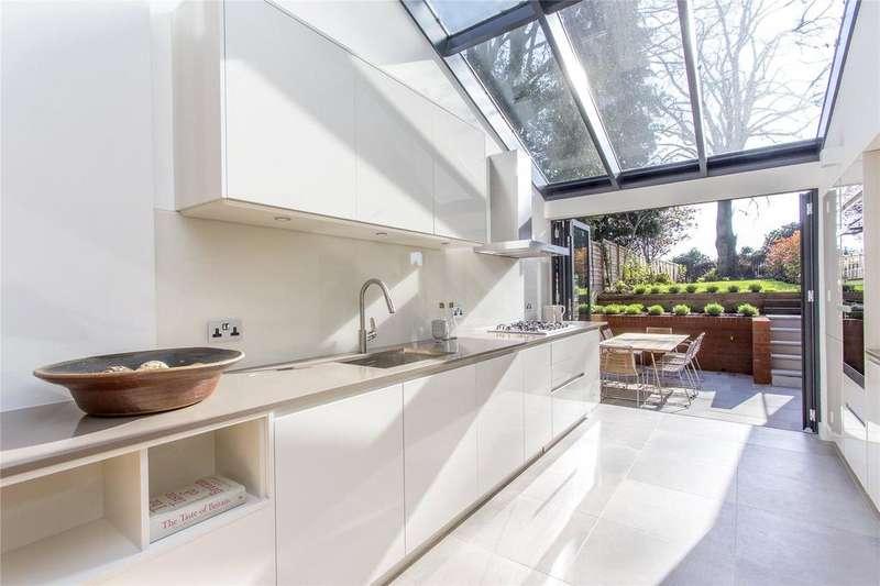 3 Bedrooms Maisonette Flat for sale in Cromwell Avenue, Highgate, London, N6