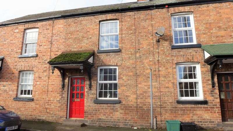 1 Bedroom Terraced House for sale in Chapel Street, Wrexham