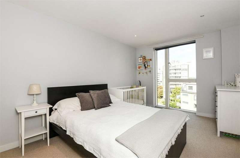 1 Bedroom Flat for sale in The Heart, Walton-on-Thames, Surrey