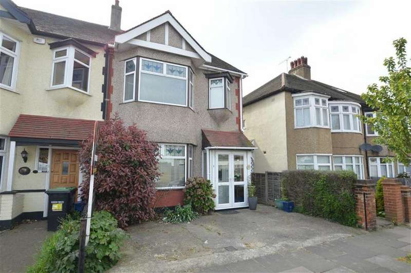 3 Bedrooms Semi Detached House for sale in Ennismore Gardens, Southend On Sea, Essex