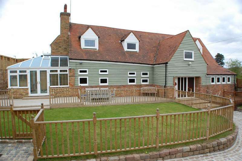 3 Bedrooms Detached House for sale in 8 Bragbury Lane, Bragbury End, STEVENAGE, Hertfordshire