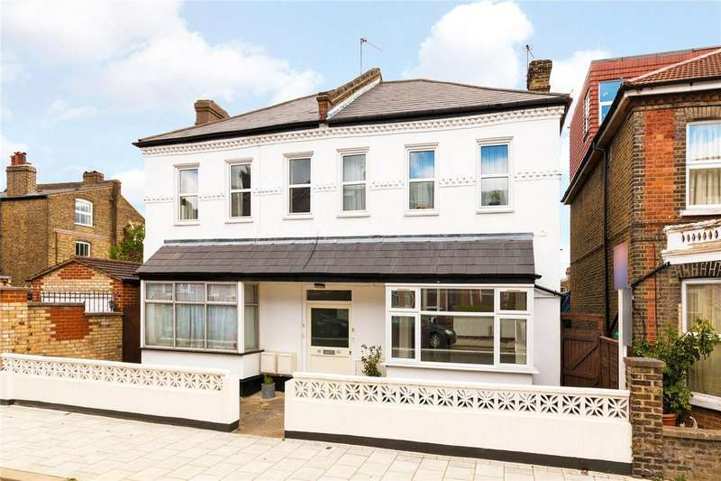 2 Bedrooms Flat for sale in Thurlestone Road, West Norwood, London, SE27