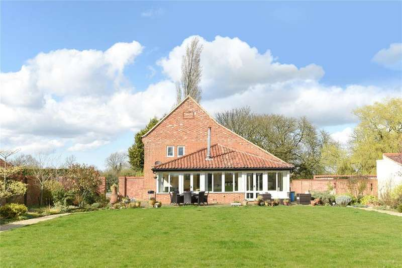 5 Bedrooms Barn Conversion Character Property for sale in Wendling Road, Longham, Dereham, Norfolk