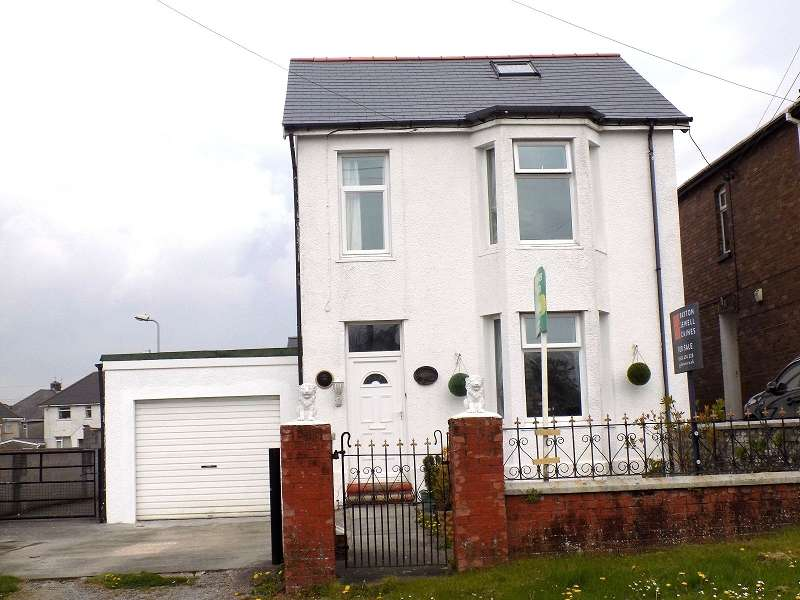 3 Bedrooms Detached House for sale in Bryncoch Road, Sarn, Bridgend. CF32 9PA