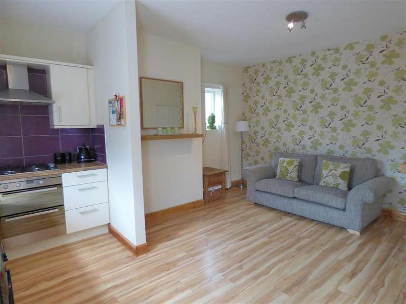 2 Bedrooms Terraced House for sale in Allen Croft, Birkenshaw