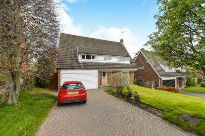 4 Bedrooms Detached House for sale in Goose Pasture, Yarm, Stockton On Tees