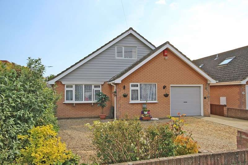 4 Bedrooms Chalet House for sale in Naish Road, Barton On Sea, New Milton