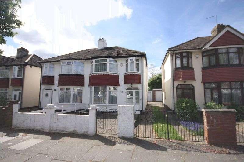 3 Bedrooms Semi Detached House for sale in Eskdale Avenue, Northolt