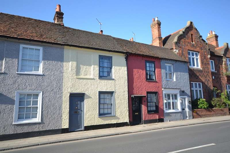 2 Bedrooms Terraced House for sale in Chertsey