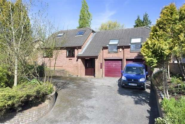 3 Bedrooms Detached House for sale in Rossiters Road
