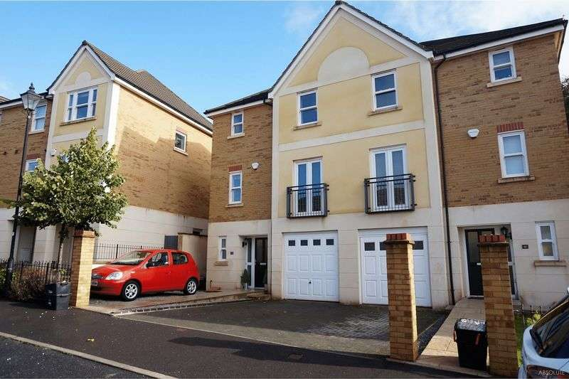 3 Bedrooms Detached House for sale in Darwin Crescent,