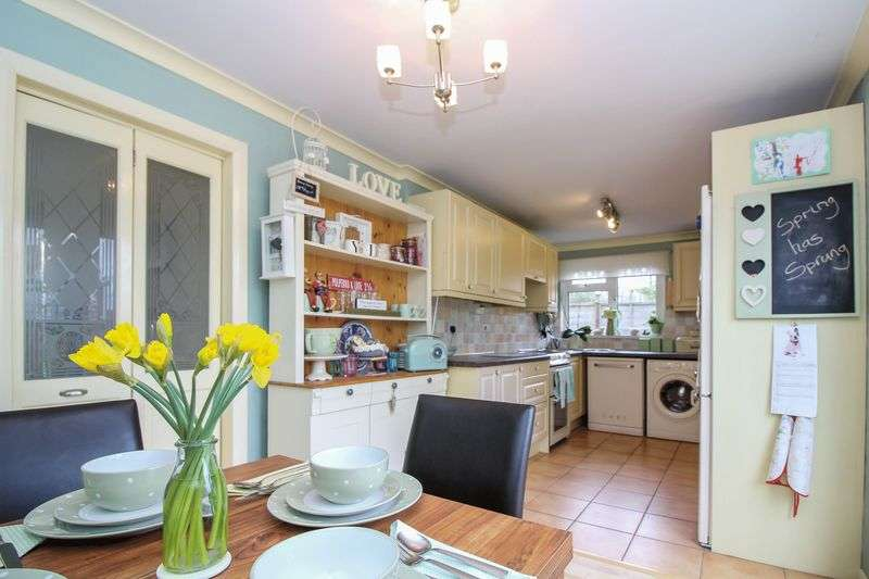 3 Bedrooms Semi Detached House for sale in Broadway, Frome