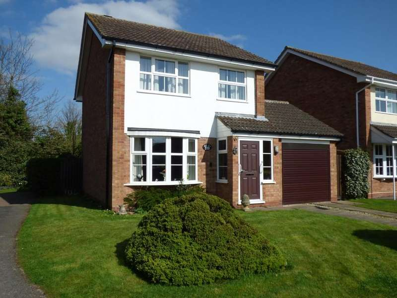 3 Bedrooms Detached House for sale in St Martins Close, Stratford-Upon-Avon