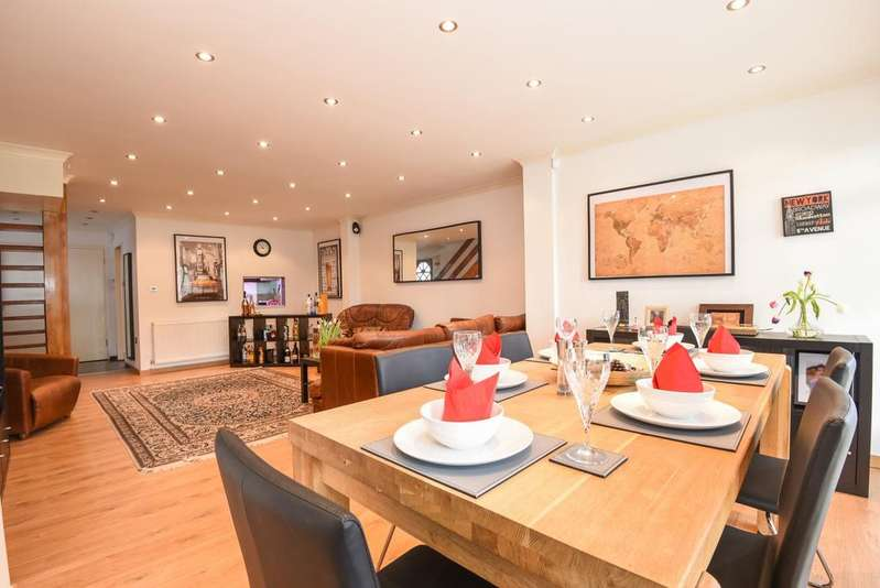 4 Bedrooms Detached House for sale in Wedgwood Way Crystal Palace SE19